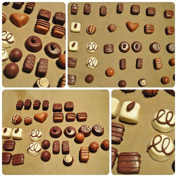 Pralines gemaakt uit fimo klei voor in de winkelhoek.