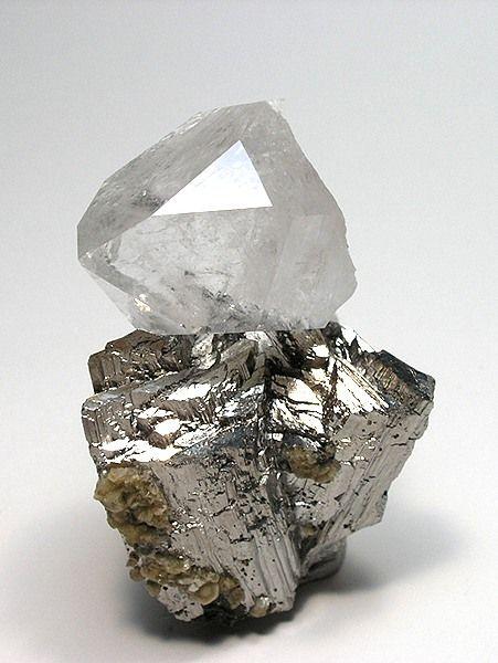 quartz on arsenopyrite
