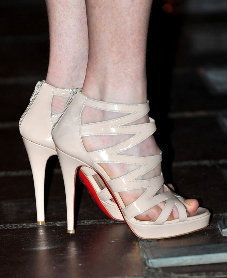 Julianne Moore Strappy Sandals - Julianne showed off these nude zip up sandals at the Santa Barbara Film Festival. Cute shoes, but she probably should have opted to polish her toes. Just a thought.