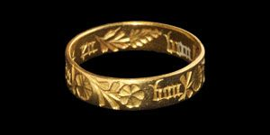 Medieval Gold 'Eu Bon Amour' Posy Ring, 14th century.