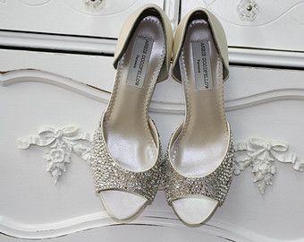 Scarpa - Swarovski sposa scarpa di Arbie Goodfellow - Dorsay scarpa - scarpa - Ivory avorio nozze scarpe - Crystal personalizzato da Parisxox di scarpe da sposa