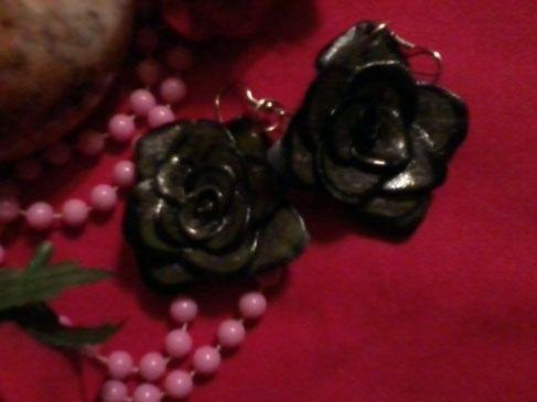 Σκουλαρίκια τριαντάφυλλο http://artsandcrafts.gr/el/item/skoylarikia-triantafyllo-125/