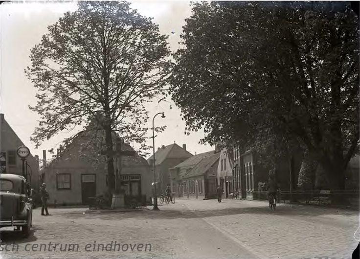 Budel-Kruisbeeld op de Nieuwstraat, links de 'Willem de Zwijgerstraat', 30-04-1940