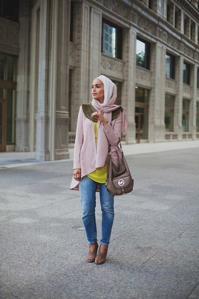 Casual and stylish with a pop of yellow. #hijab #hijabi #style #fashion