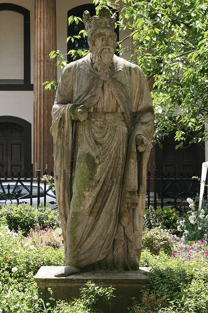 "London's Oldest Statue, C.1372  - This is King Alfred the Great (871-899) in Trinity Church Square, Southwark. The statue was moved to the Square in 1822 when it was build and laid out from Westminster Hall. It had been at Westminster since 1372. By 1822 it was concealed by two inns – ""Heaven"" and ""Hell""."