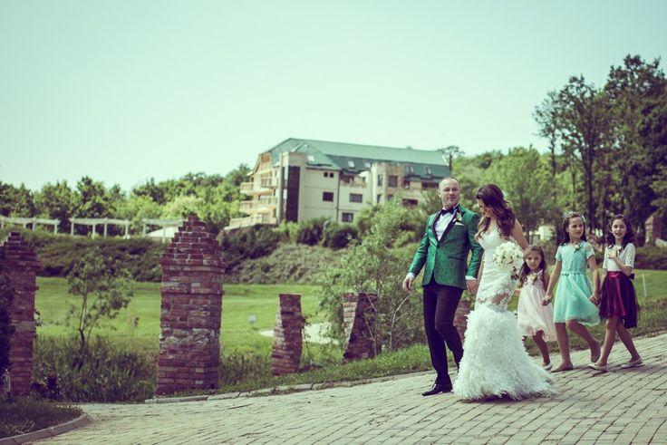 Sun Garden Resort | Rares Sebeni | desebeni |  Vintage Modern Wedding Photography