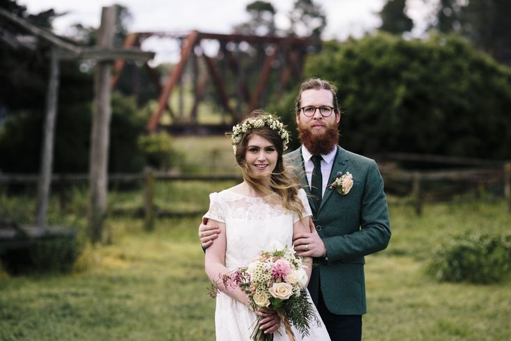 Bride and groom portrait at Riversdale in Goulburn, NSW, wedding ceremony and reception venue. Flowers in the brides hair and bouquet by Barton Flower Bar