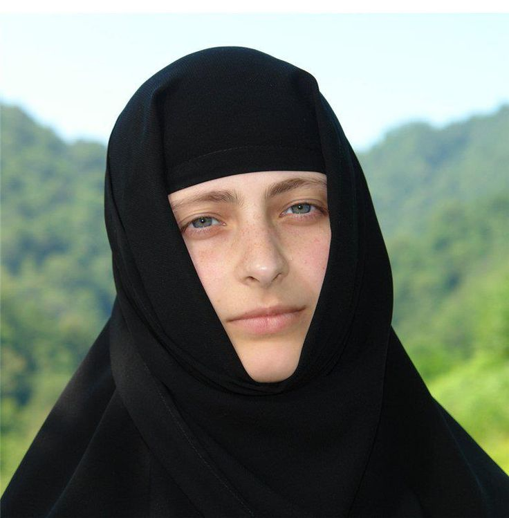A young Orthodox nun