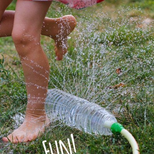 Giochi divertenti per l'estate: la bottiglia che spruzza l'acqua