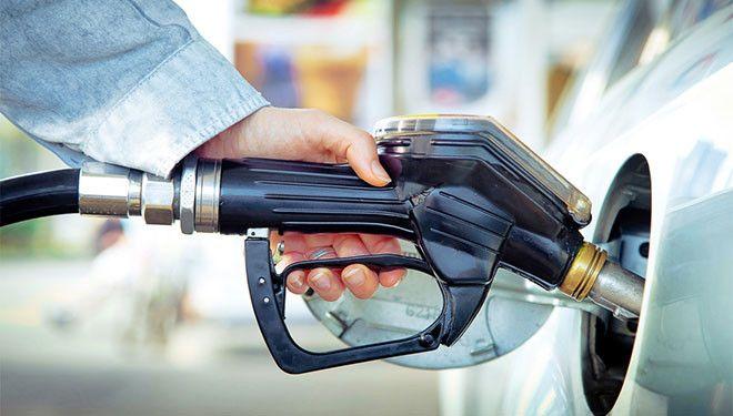 ¿Sabes cómo ahorrar combustible mientras conduces?  Aquí te dejamos algunos trucos