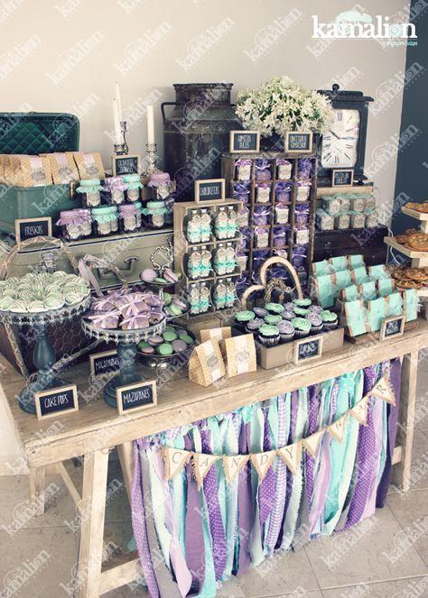 www.kamalion.com.mx - Mesa de Dulces / Candy Bar / Postres / Menta & Morado / Mint & Purple / Rustic Decor / Dulces / Vintage / Madera / Lecheros / Maletas / Reloj / Garland / Clock / Candles / Wedding.