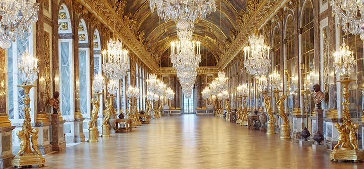 fancy dress evening in the Hall of Mirrors - Palace of Versailles ...