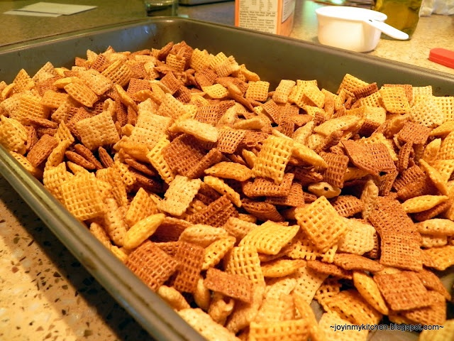 Olive Oil Chex Mix #healthy