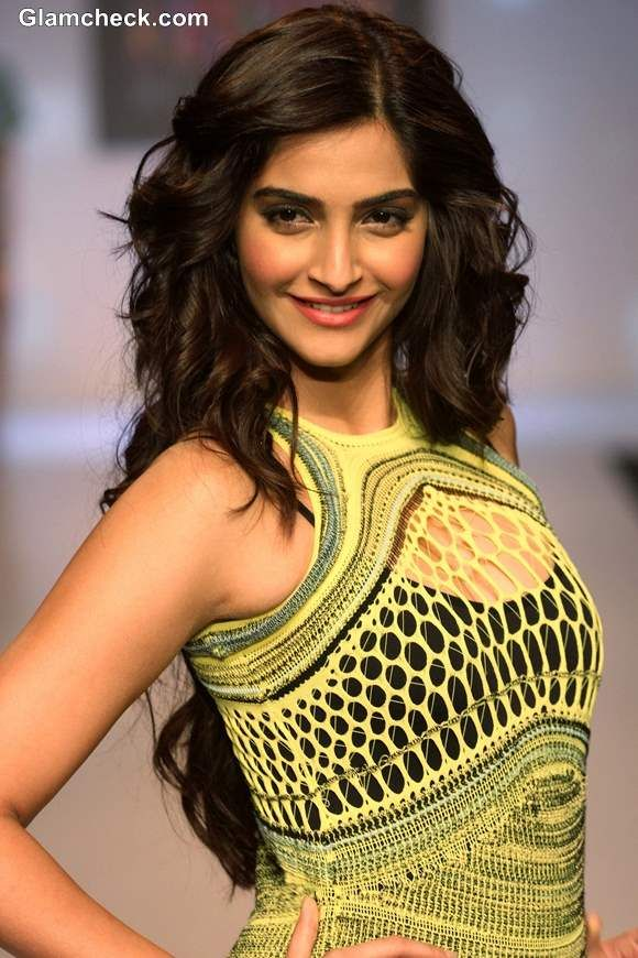 Sonam Kapoor in Mark Fast gown SIFW 2013  pictures