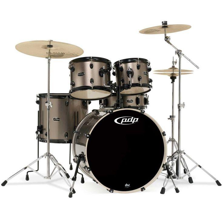 Un set completo de calidad a un valor épico perfecto. La nueva PDP Mainstage es un kit completo que incluye tambores, pedales, hardware y hasta un sillín. Un pack completo de hardware de peso medio completan el equipo. * No incluye los platillos mostrados en las imágenes.  -> Cómprala online en www.studiomusic.cl por $369.900