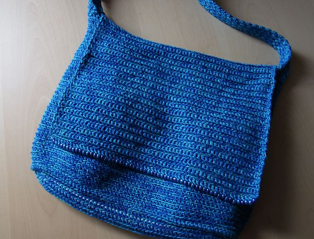 Crochet - Ravelry - Simple Messenger Bag - Free pattern - Downloaded and printed