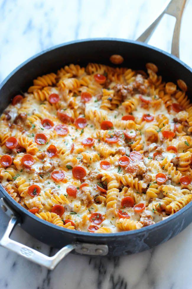 Pizza pasta - Recept: http://damndelicious.net/2014/08/16/one-pot-pizza-pasta-bake/