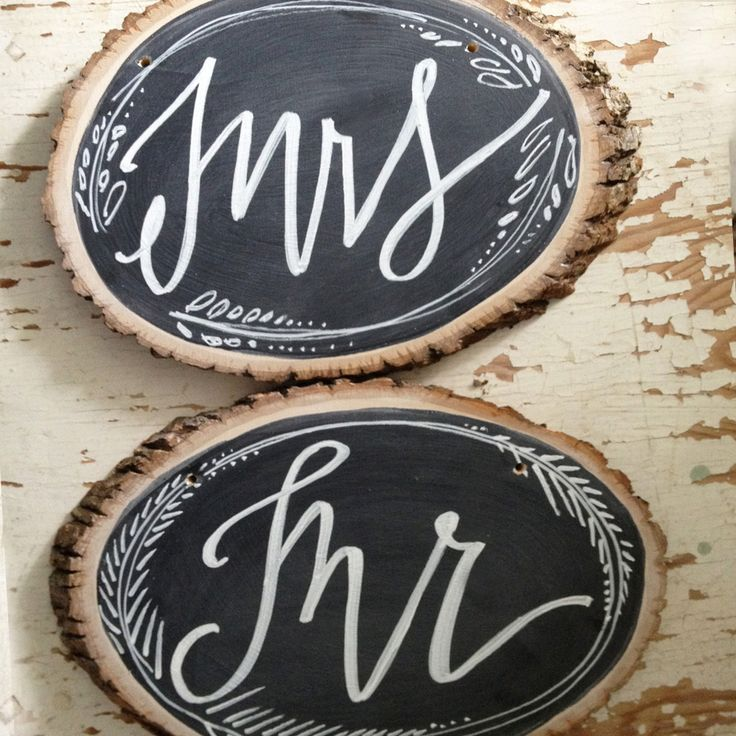 Mr & Mrs // chalkboard signs: Art Crafty Things, Mr Mrs Signs, Mrs Chalkboards Signs Chairs, Wood Signs, Chalkboards Signs Create, Chair Backs, Bridal Shower Gifts, Chairs Back, Bride Fonts Chalkboards