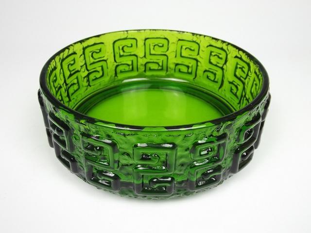 Riihimaki 'Taalari' green glass bowl. Designed by Tamara Aladin by art-of-glass, via Flickr