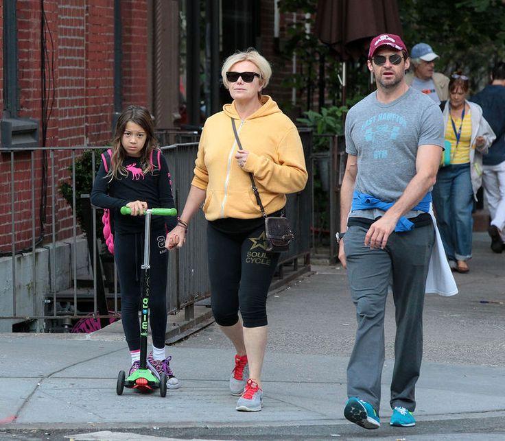 Seit 20 Jahren sind Hugh Jackman und Deborra-Lee Furness verheiratet - und verliebt wie am ersten Tag. Das beweisen die Fotos aus ihren Ferien auf St. Barts. Der Hollywood-Star hat zwei goldene Regeln, die seine Ehe so liebevoll und frisch hält.
