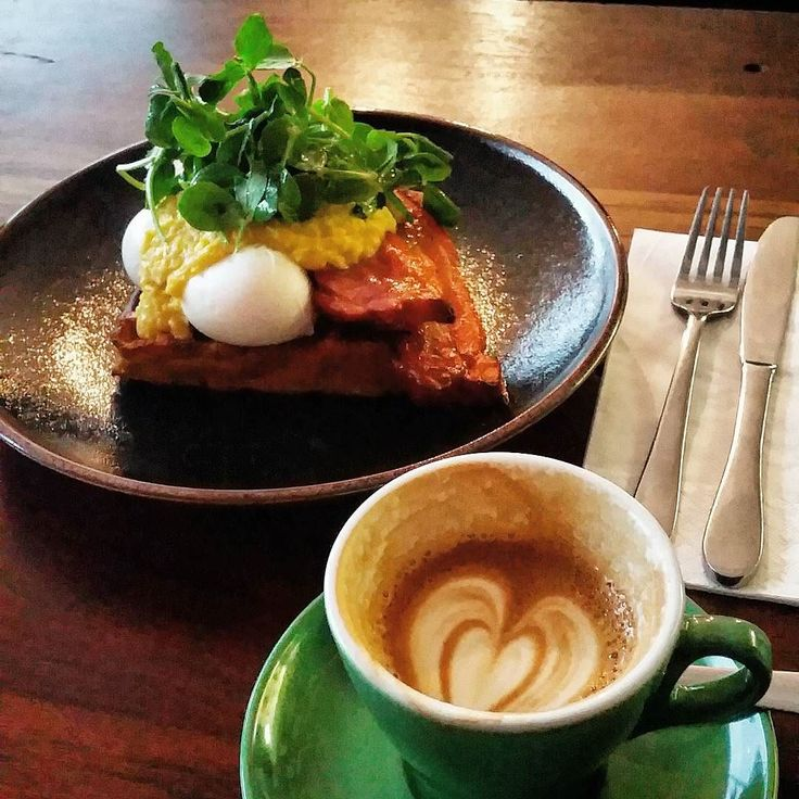 Friday brekkie done right  @freckleduckcafe  #friday #bacon #geelong #cafe #barista #awesome #yolo #fitness #inspo #potd #instapic