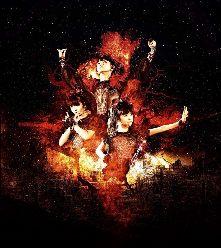 2010年結成。2014年3月には日本武道館ワンマンライブ2デイズを行い女性アーティスト史上最年少記録を樹立。さらに1stアルバム「BABYMETAL」が全米ビルボード総合チャートにランクイン。 同年夏からは初のワールドツアーを行い、イギリスの大型フェス「Sonisphere Festival UK」ではメインステージに登場し、アメリカではレディー・ガガの北米ツアー5公演のサポートアクトに抜擢される。 2015年5月から北米、中南米、ヨーロッパなど10カ国、15公演となる「BABYMETAL WORLD TOUR 2015」を敢行。 イギリスの音楽誌「KERRANG!」と「METAL HAMMER」が主催する2つのミュージックアワードに出席し、日本人アーティスト初となるアワードを受賞する。 8月にイギリスの世界的ロックフェス「Reading & Leeds Festival」のメインステージに出演。 12月には横浜アリーナワンマンライブ2DAYSを行い、2016年4月にはイギリス・ウェンブリーアリーナにて日本人初のワンマンライブを開催。そしてワールドツアーファイナルは東...
