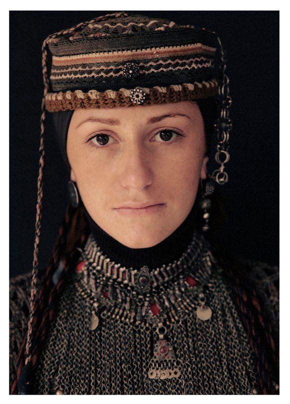 гостиной древние армяне фото располагать рядом деревьями