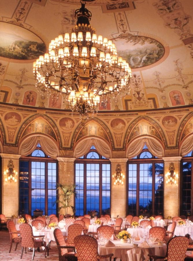 The famous Circle Room at The Breakers Hotel in West Palm Beach, FL is one of the best brunch spots in South Florida. Check out the other restaurants in West Palm Beach that made our top 10 list at TheCultureTrip.com. Click on the image to see the full list!