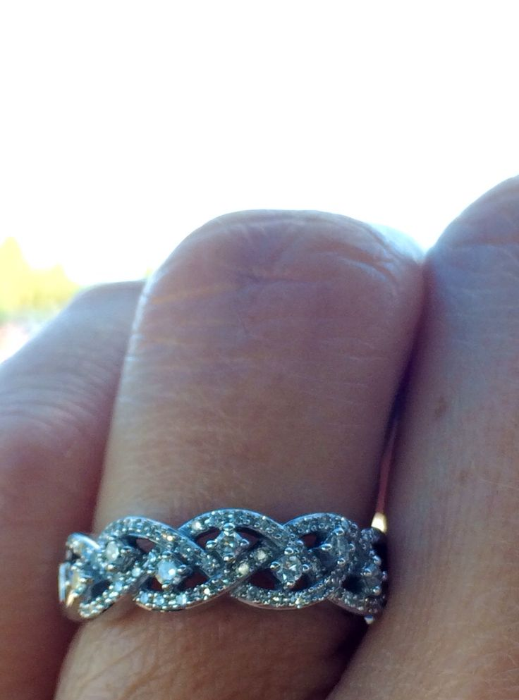 My promise ring so sparkly, lovely, and sooo much meaning... I adore it!!!!