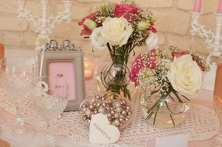 Déco de Table - Mariage vintage - rose et blanc - centre de table rose - centre de table fleurs -  wedding centerpieces pink and white - vintage