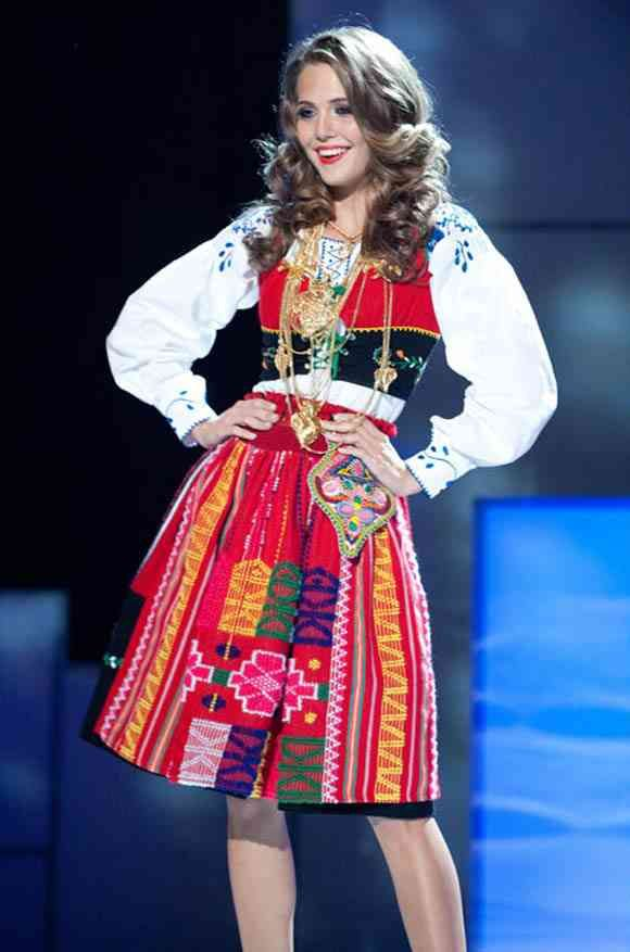 とてもかわいい世界の民族衣装
