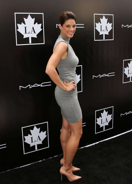 Celebrity Leg Show Missy Peregrym Hot Actresses Temple Beautiful Legs Sexy Legs