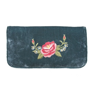 A fabulously practical, yet stylish design, this clutch wallet has sumptuous velvet outer and a zipped outer close. It is lavishly adorned with our timelessly elegant Frida Rose design.