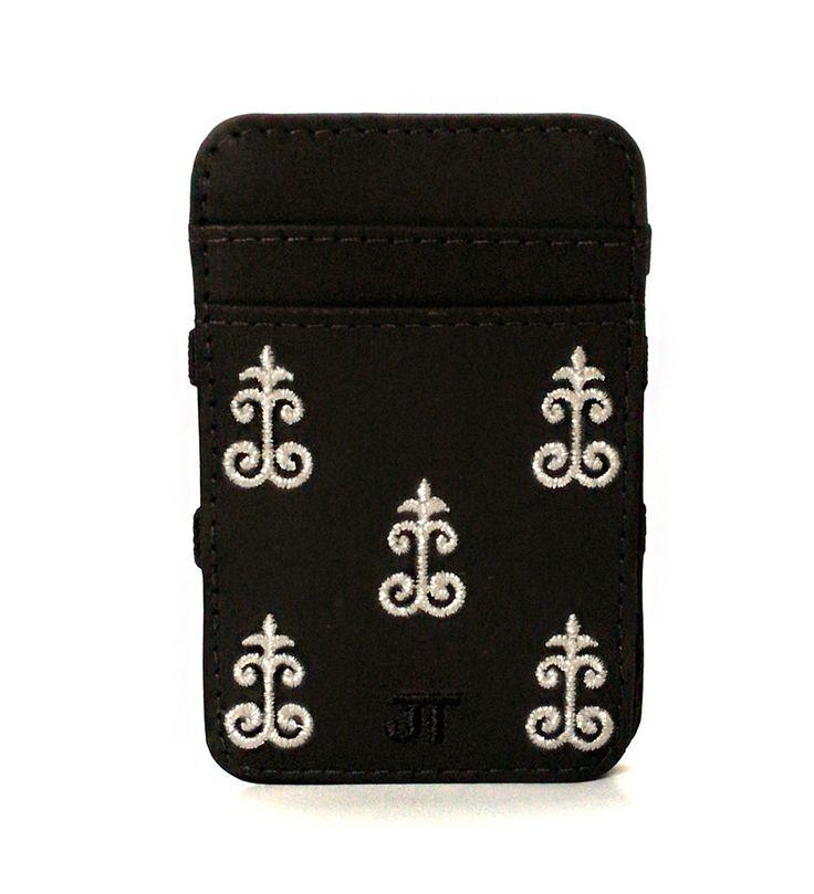 JT Magic Wallet Vintage 1 Color: White and Black #couro #bordado #fashion #accessories #moda #style #design #acessorios #leather #joicetanabe #carteira #carteiramagica #courolegitimo #wallet