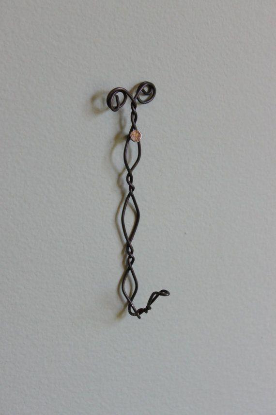 51 best WIRE HANGER CRAFTS images on Pinterest | Coat hanger ...
