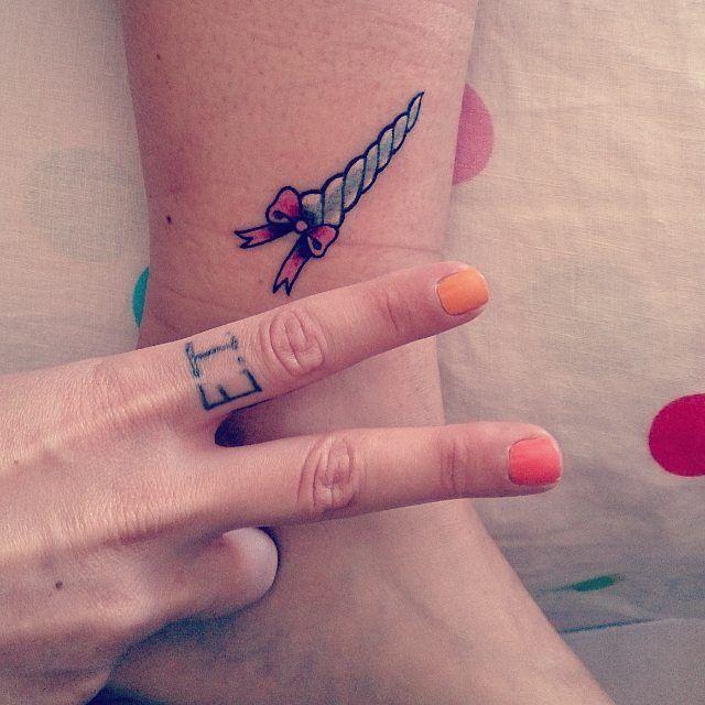 Da oggi sono ufficialmente un #unicorno 🎉🎉🎉🎉 #unihorn #unicorn #tattoo #tattoos #unicorntattoo #girlwithtattoos #newtattoo #bow