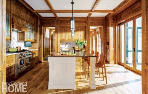 Lake Sunapee residence, NH. Architects Mike McClung and John Gassett, Shope Reno Wharton. Interior design by Chenault & Assoc. Kenneth Vona Construction. Jim Westphalen photo in New England Home.