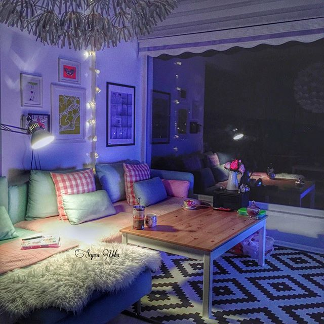 Bir tatlı huzurevimin en sevdiğim köşesinden... Ne kadar güzel yerlere gidersem gideyim yine en mutlu olduğum yer kendi evim ❤️❤️❤️ #çokşükür #evim #evimgüzelevim #home #ikea #englishhometr #englishhome #madamecoco #esse #karaca #bernardo #mudoconcept #pembe #çay #kahve #huzur #sevgililergünü #aşk #eş #oturmaodası #homesweethome