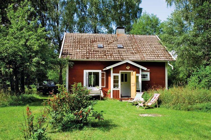 Hege Greenall-Scholtz: Little red cottage in Sweden