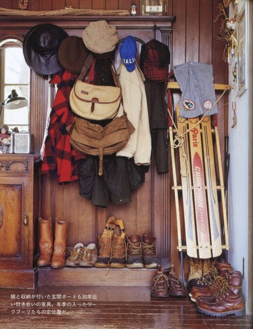 Winter Cabin.: Cabins Life, Skiing Houses, Wood, Mudrooms, Up North, Mud Rooms, Winter Cabins, Men Shoes, Logs Cabins