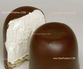 Pinitos de merengue bañados de chocolate --- someone please translate, they look so good! But I can't read the recipe ---