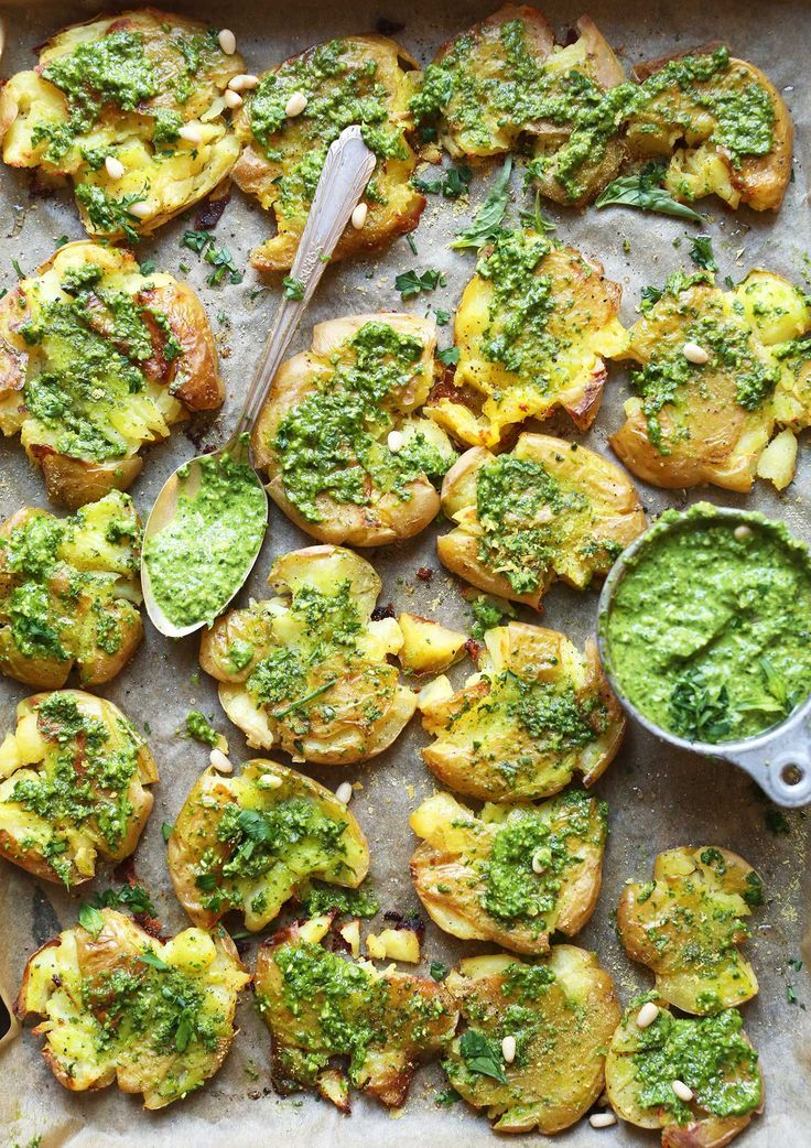 AMAZING Smashed Potatoes with Garlic Herb Pesto! 9 ingredients, buttery, flavorful, SO delicious! #vegan #glutenfree #potato