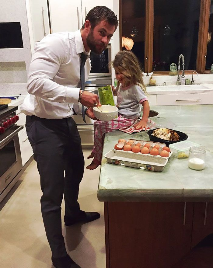 10+ Times Chris Hemsworth Was The World's Best Dad | Bored Panda