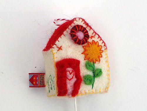Muziekdoosje Huisje met rood dak