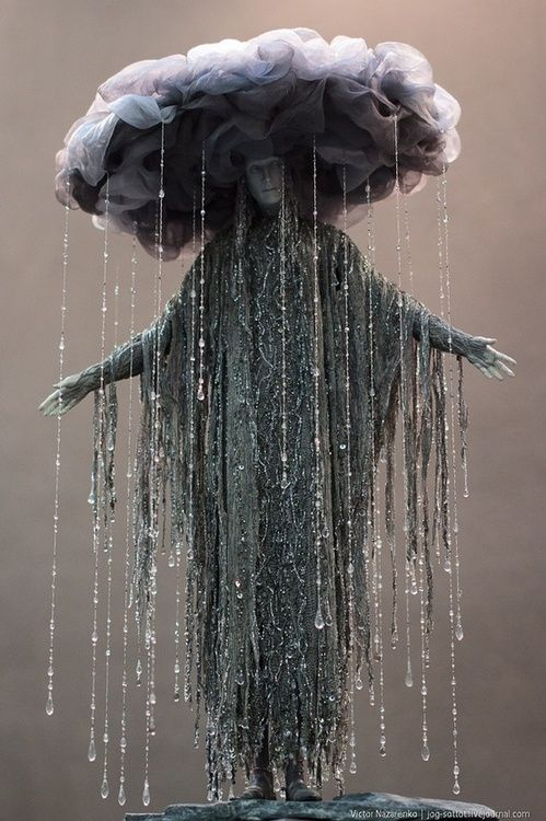 need to figure out how to make this costume!!!! So cool. I love the rain.