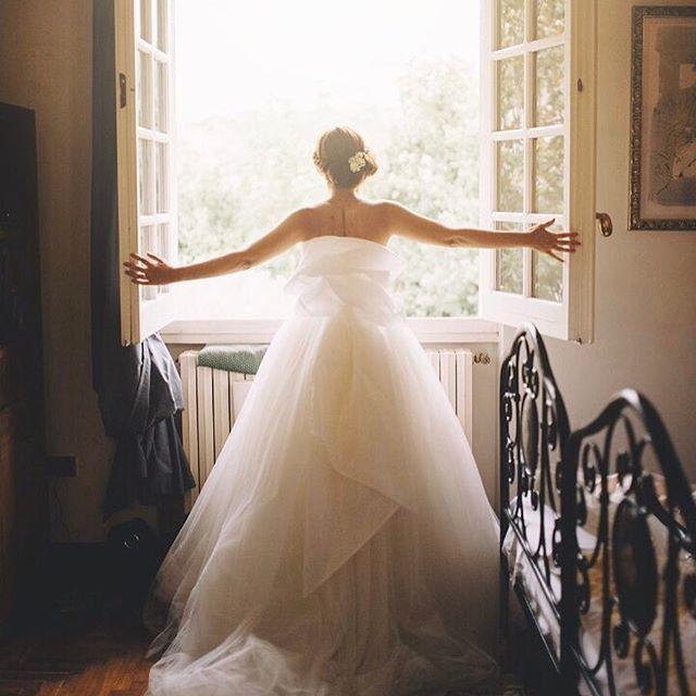 Pause. Breathe. Repair your universe. Proceed. ✨ • #alicecoppolaphotography #weddingdetails #bridetobe #bridedress #gettingready #gettingmarried #loveher #breathelife #woodenbanana