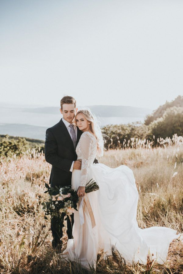 This couple's classic wedding look is simply timeless | image by Autumn Nicole Photography #firstlook #firstlookinspo #fallweddinginspo #mountainweddinginspo #elopment#elopementinspiration #weddingphotoinspiration #weddingphotoideas #weddingportrait #couple #cutecouple #coupleportrait