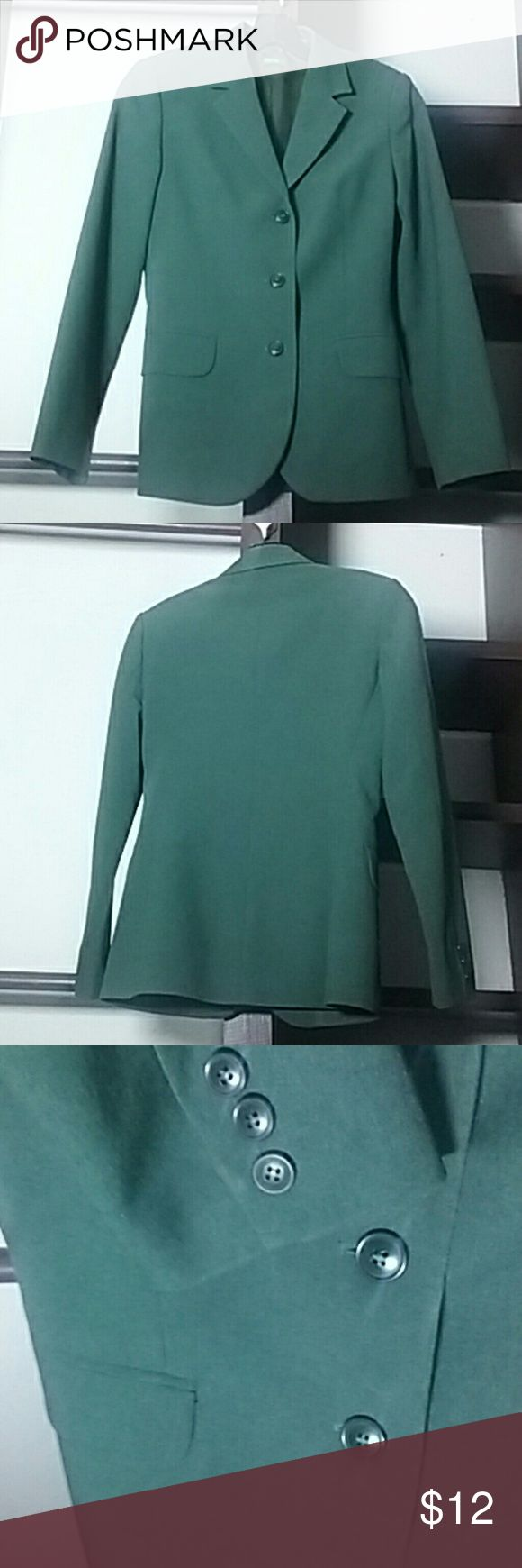 Forest Green Jacket Well-kept, barely worn professional blazer, perfect for the office. The fabric resists wrinkles, keeping you looking put-together all day long! Such a pretty color: slightly bluish medium-dark green (forest). Two faux pockets. 3 button closure. Lapel. Chic straight fit that caresses your curves but doesn't hug them. The size is Italian size 38, which equates to a US 4 or Small. United Colors Of Benetton Jackets & Coats Blazers