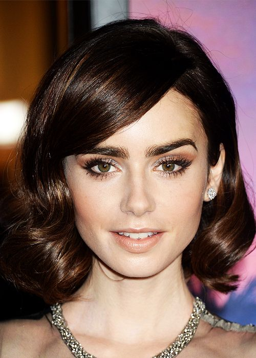 Lily Collins attends 'Rules Don't Apply' premiere at TCL Chinese Theatre in Los Angeles on November 10, 2016.
