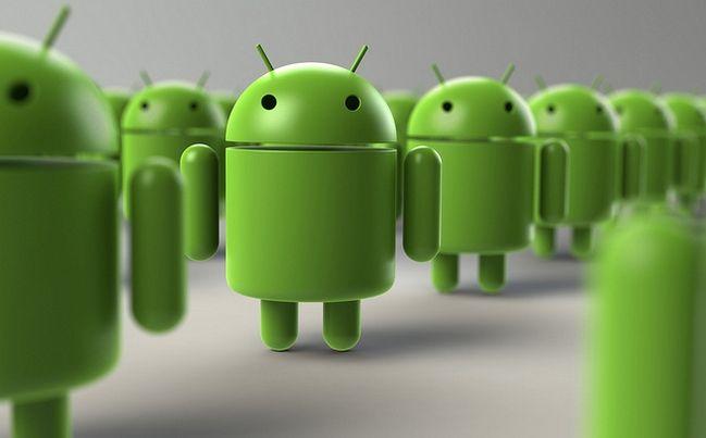 Los contratos de Google con fabricantes de terminales como Samsung y HTC, ahora incluyen más requerimientos como el aumento en la cantidad de aplicaciones de Google que deben de venir instaladas de fábrica o una cantidad determinada de aplicaciones que deben de estar situadas en la pantalla de inicio.